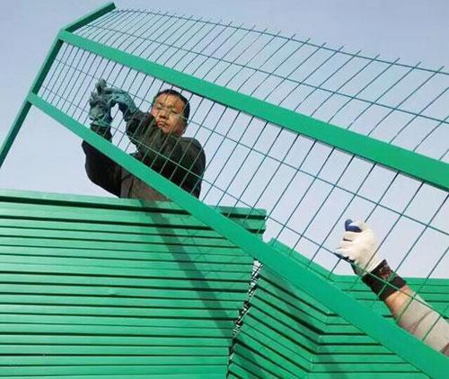 防护栅栏加高网片